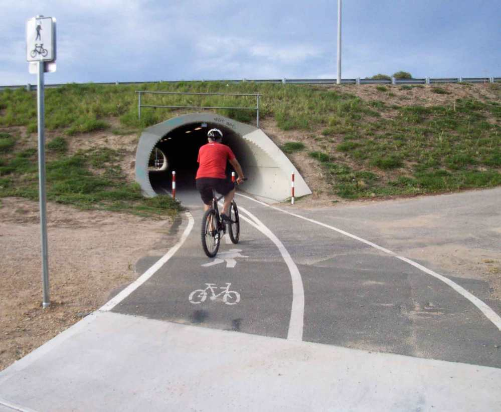 The Outer Harbour Greenway Route. (3/6)