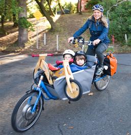 Liz Canning & twins on their cargo bike.